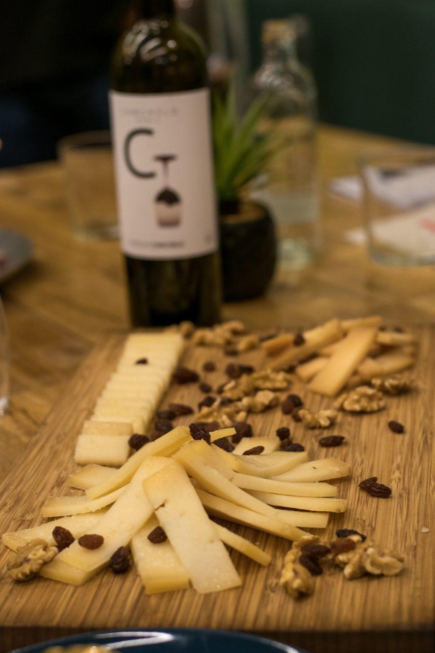 Entre los productos distribuidos por Maillard también hay una buena selección de quesos.